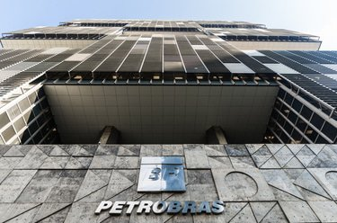 Offshore contractor secures $738 million from Petrobras in bribery dispute