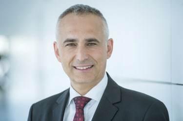 Siemens CCO Moosmayer to join Novartis