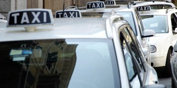 Italian enforcer overruled on taxi dominance decision