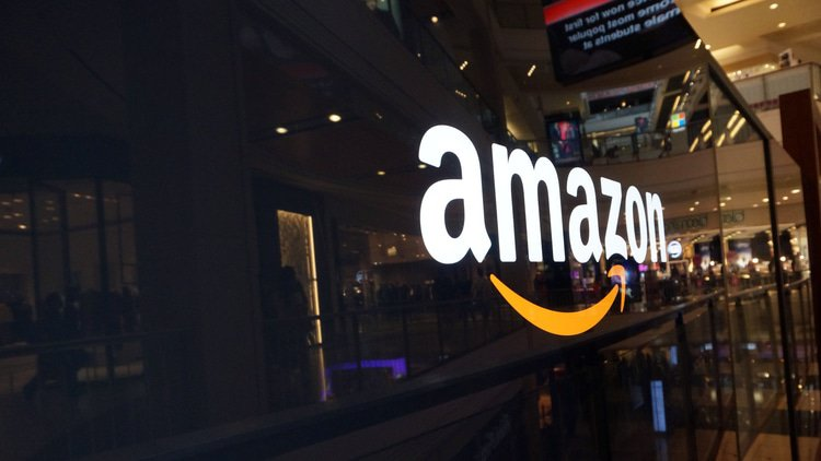 India probes Amazon and Flipkart