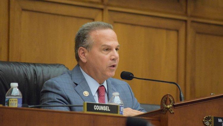 Congressman and tech lobbyist spar over markets