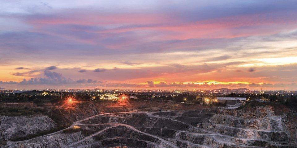 Teck gets US$2.5 billion for copper mine development