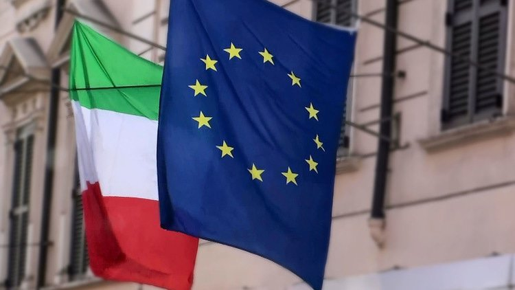 Lawyers react to Italian PM's Vestager successor claim