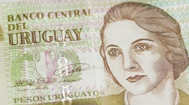 Uruguay makes sovereign tender offer and notes issue
