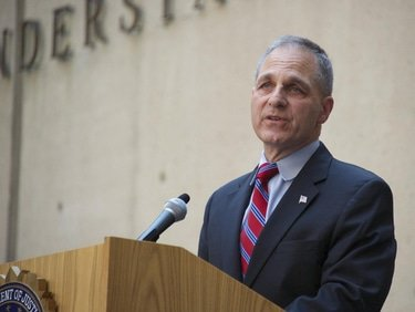 Louis Freeh appointed Walmart monitor