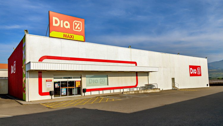 Dia staves off insolvency filing as refinancing closes