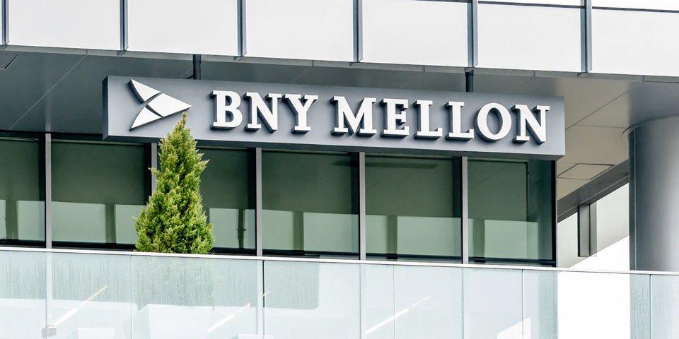 Former BNY Mellon executive demands $16 million in whistleblower suit