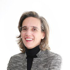 Elena Ferrer-Sama  Server