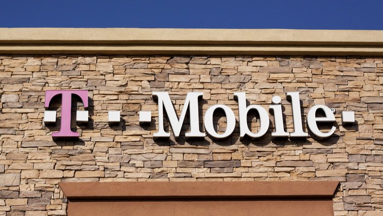 EU sees problem in T-Mobile and O2 cooperation