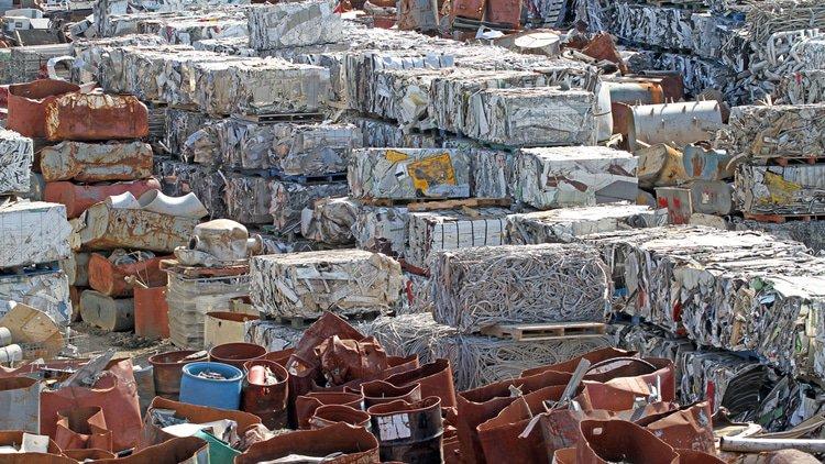 Spain raids scrap metal buyers
