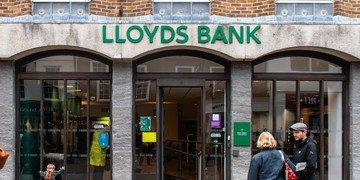 Lloyds settles £104 billion asset management dispute