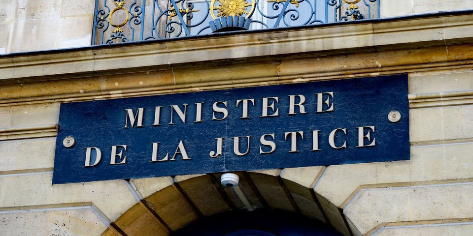 France's Justice Ministry spurs on self-reporting