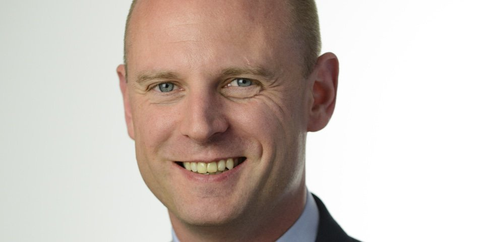Dutch firm hires team from Simmons & Simmons