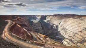 Gold miner wins arbitration claim against Peruvian state bank