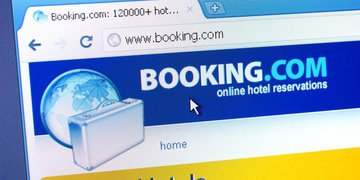 Russia launches Booking.com probe