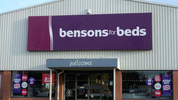 Steinhoff sells off British and Australian retailers