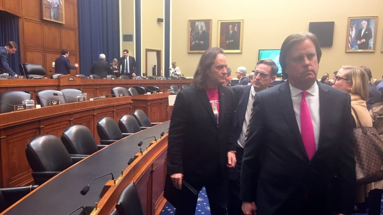 House challenges T-Mobile/Sprint on jobs, connectivity and prices