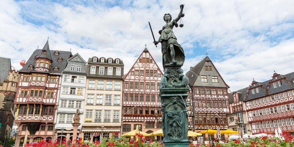 Prosecutors raid German politicians' homes in money laundering probe