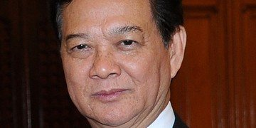 Vietnam's ex-prime minister hit with claim over power project