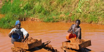 Tanzania again threatened over cancelled mining licences